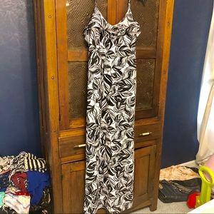 Mossimo black and white maxi dress